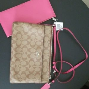 New with partial tag Coach  crossbody with clutch